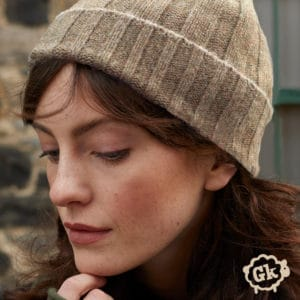 Lushan recycled cashmere hat in sand